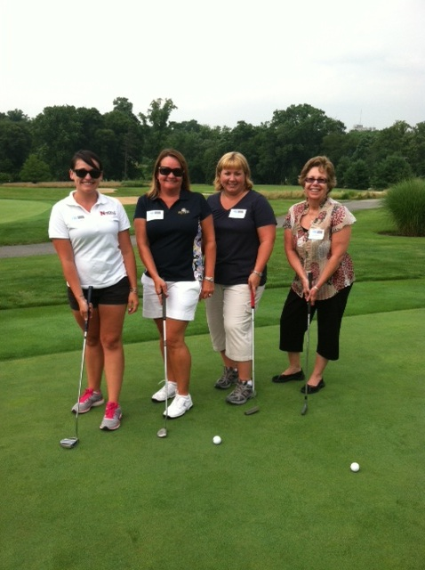Nickle ladies attend Putt-N-Pinot Clinic