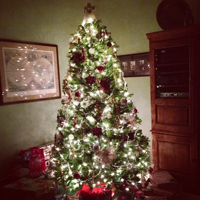 17 holiday decorating tips to keep safe